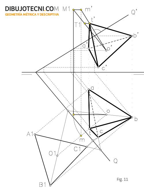 Pirámide con la base contenida en un plano oblicuo.